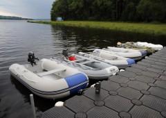 Test malých nafukovacích motorových člunů.