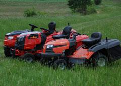 Zahradní traktory pro rozsáhlé trávníky