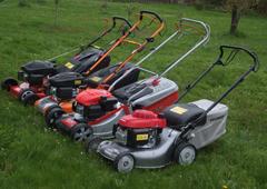 Benzinové sekačky pro střední a větší trávníky